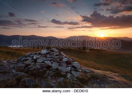 Sonnenuntergang über Blencathra von Arthurs Pike, Lake District - Stockfoto