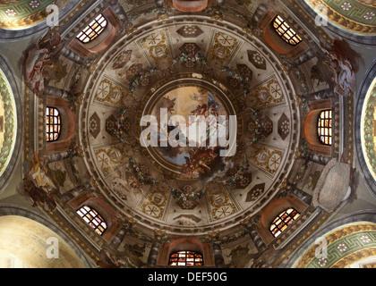 Italienische Fresken in der Kirche, im Norden von Italien - Stockfoto