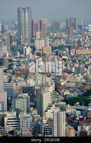 Übersicht der Informationsstelle der Tokyo Metropolitan Government building, Bezirk Shinjuku, Tokio. Kanto Provinz, - Stockfoto