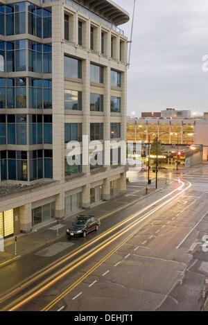 Fisgard Straße überqueren Douglas Avenue, Abend. Victoria, Britisch-Kolumbien. Kanada - Stockfoto
