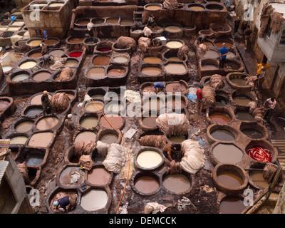 Chouwara Leder-Gerberei in Fez, Marokko - Stockfoto