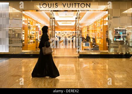 4833ec5cba86d ... Louis Vuitton Mode-Boutique in der Mall des Einkaufszentrums Emirates  in Dubai Vereinigte Arabische Emirate