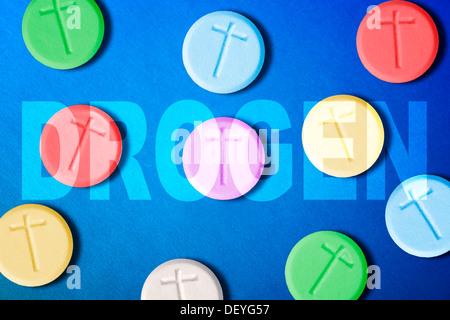 Die Pillen mit Kreuz und Schlaganfall Designer Drogen, Pillen Mit Kreuz Und Schriftzug Drogen, Designerdrogen - Stockfoto