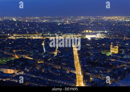 Stadtbild von Paris bei Nacht, Paris, Ile de France, Frankreich - Stockfoto