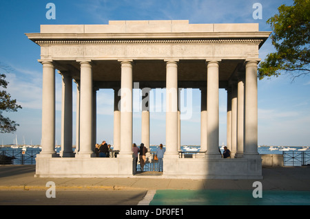 USA, New England, Massachusetts, Plymouth, Pilgrim Memorial State Park, Plymouth Rock Gebäude - Stockfoto