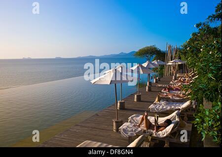 Infinity-Pool, sechs Sinne Hideaway Resorthotel, Koh Samui Island, Golf von Thailand, Thailand - Stockfoto