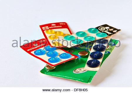 Auswahl an Karten mit verschiedenen bunten Tasten - Stockfoto