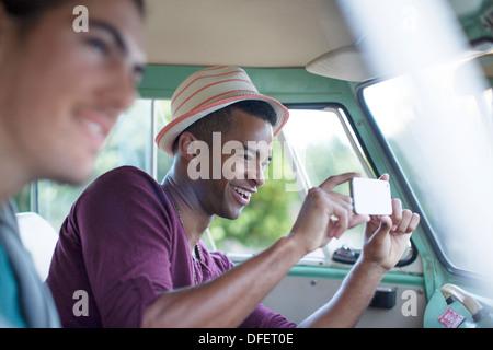Mann mit wohnmobil sucht frau