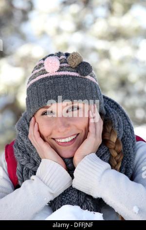 Frau im Schnee - Stockfoto