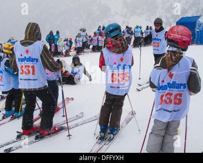 Tamarro Rennen. Beliebten Wettbewerb. Skigebiet von Espot. Katalanische Pyrenäen. Espot. Pallars Sobira. Lleida - Stockfoto