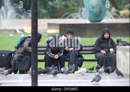 Roma-Einwanderer auf der Park Lane, London, UK 4. Oktober 2013.  Bild zeigt Roma-Einwanderer im Bereich Park Lane - Stockfoto