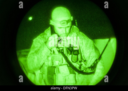US Marine Kapitän Erich Lloyd, 1. Naval Gunfire Liaison Fluggesellschaft gemeinsamen terminal Angriff Controller - Stockfoto