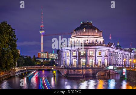Museumsinsel und Fernsehturm in Berlin, Deutschland. - Stockfoto