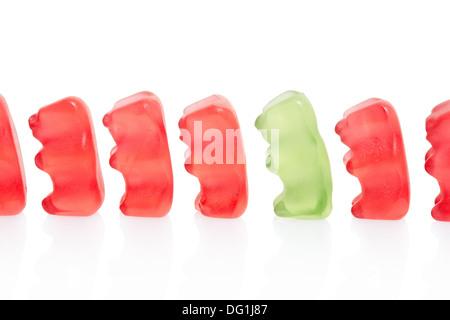 Gummibärchen Bonbons Zeile, Unterschied Konzept - Stockfoto