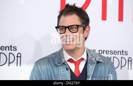 """Berlin, Deutschland. 11. Oktober 2013. Schauspieler Johnny Knoxville kommt bei der Premiere des Films """"Jackass präsentiert: - Stockfoto"""