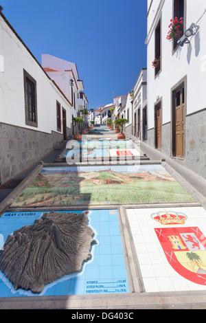 Keramikfliesen, zeigt Teile der Kanarischen Inseln, Firgas, Gran Canaria, Kanarische Inseln, Spanien, Europa - Stockfoto