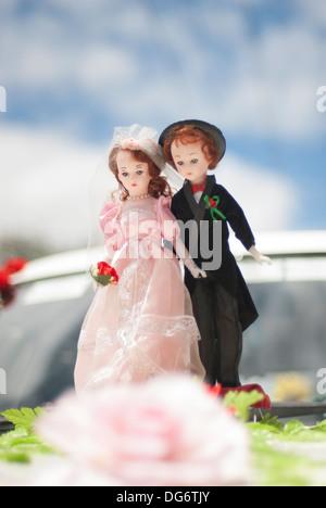Miniatur-Braut und Bräutigam-Puppen - Stockfoto