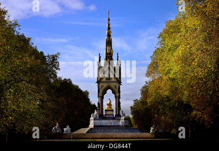 Albert Memorial entworfen von Sir George Gilbert Scott verzierten Baldachin von Königin Victoria eröffnet - Stockfoto