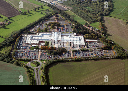 Luftaufnahme von York Designer Outlet, manchmal bekannt als McArthur Glen oder Verkaufsstelle York, York - Stockfoto