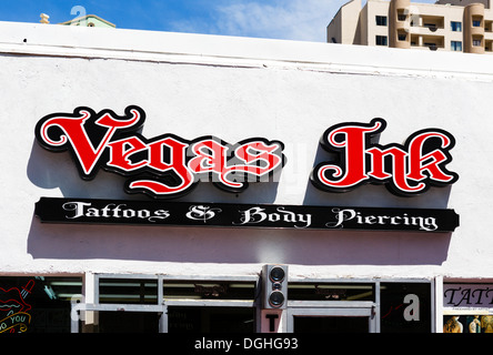 Vegas Ink Tattoo und Body piercing Stube, Las Vegas Boulevard South (The Strip), Las Vegas, Nevada, USA - Stockfoto