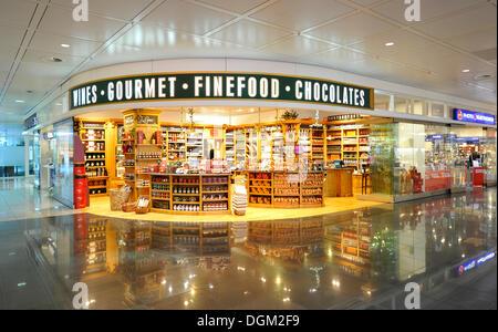 duty free shop flughafen m nchen deutschland stockfoto bild 23444229 alamy. Black Bedroom Furniture Sets. Home Design Ideas