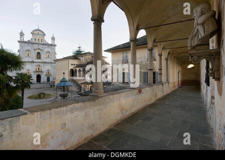 Basilica di Santa Maria Assunta, von Pilatus Palast, UNESCO-Weltkulturerbe Sacro Monte di Varallo, Varallo - Stockfoto