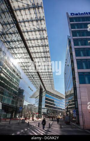 Glas-Fassaden im neuen Kranzler Eck am Kurfürstendamm Allee, City West, Berlin, Deutschland - Stockfoto