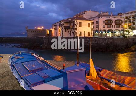 Hafen von Puerto De La Cruz, Teneriffa, Kanarische Inseln, Spanien, Europa - Stockfoto