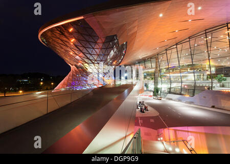 BMW Welt, eine multifunktionale Kunden Erfahrung und Ausstellung Anlage der BMW AG, am mittleren Ring-Autobahn