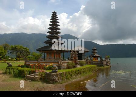Bali-Hinduismus, balinesischen Pagode, Pura Ulun Danu Bratan Tempel, Bratan-See, Bedugul, Bali, Indonesien, Südostasien, - Stockfoto