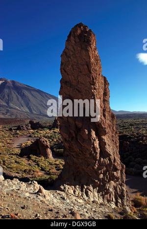 Roques de Garcia, den Teide oder Pico del Teide, Teneriffa, Kanarische Inseln, Spanien, Europa - Stockfoto