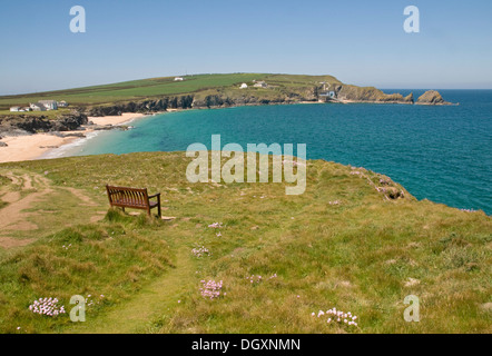 Auf der North Cornwall Coast Path Mutter Ivey Bay - Stockfoto