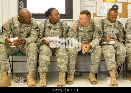 uns weibliche Soldaten Bilder