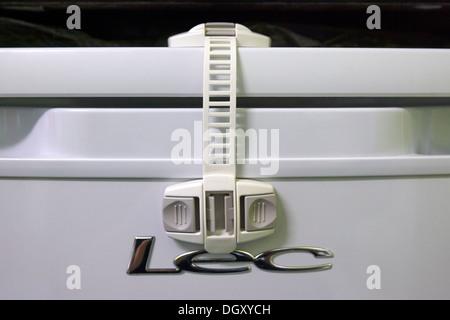 Kühlschrank Kindersicherung : Beweis kindersicherung stockfoto bild: 75635130 alamy