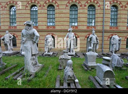 Gespeichert von ehemaligen Denkmäler der Siegessaeule, Siegessäule in Berlin, Statuen der alten Herrscher, Spandau, Zitadelle, Berlin