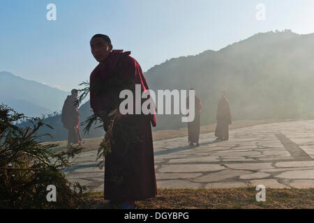 Mönche, Tawang Khinmey Nyingma Kloster in der Nähe von Tawang, Arunachal Pradesh, Indien, Asien - Stockfoto