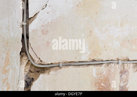 elektrische leitungen unter putz stockfoto bild 147218516 alamy. Black Bedroom Furniture Sets. Home Design Ideas