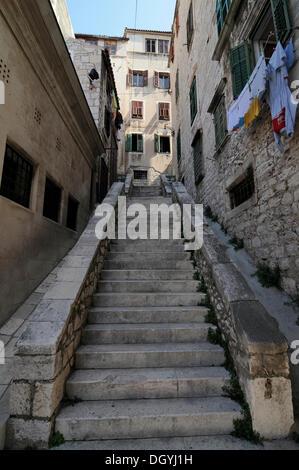 Historische Altstadt, lange Treppe, Sibenik, Kroatien, Europa - Stockfoto