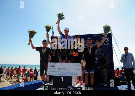 Tri-Athlet Javier Gomez Noya feiert 5. jährlichen Nautica South Beach Triathlon zugunsten von St. Jude Children Research