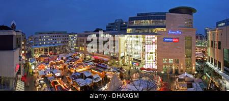 weihnachtsmarkt und der gr te weihnachtsbaum der welt hansaplatz dortmund nordrhein. Black Bedroom Furniture Sets. Home Design Ideas
