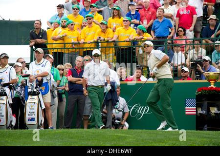 Dublin, Ohio, USA. 3. Oktober 2013. (R-L) Adam Scott, Hideki Matsuyama (JPN), George W. Bush Golf: International - Stockfoto