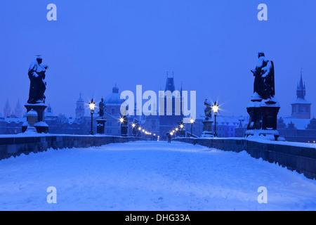 Tschechien, Prag, Karlsbrücke - Stockfoto