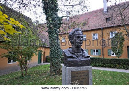 Büste von Jakob Fugger in der Fuggerei, Augsburg, Schwaben, Bayern, Deutschland, Europa - Stockfoto
