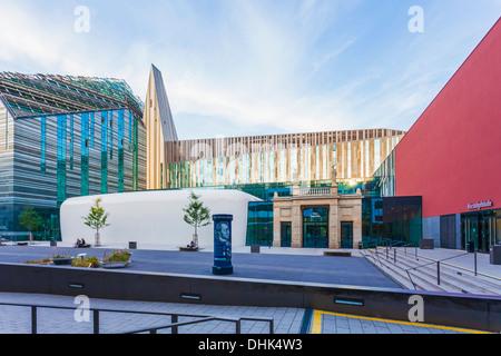 Campus der universit t leipzig neue augusteum mit for Moderne architektur gebaude