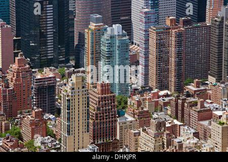 Luftaufnahme Ostseite und Midtown Wohngebiet Hochhäuser in Manhattan, New York City - Stockfoto