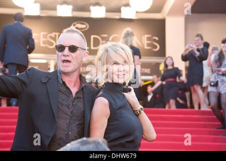 """Sting und seine Frau Trudie Styler, """"Schlamm"""" Premiere während der 65. Filmfestspiele Cannes. Cannes, Frankreich - Stockfoto"""