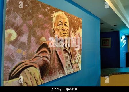 Brasilien, Porto Alegre: Malerei zeigt lokale Dichter und Schriftsteller Mario Quintana im Kulturzentrum Mario Quintana - Stockfoto