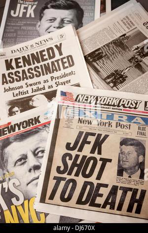 New York, USA. 22. November 2013. Die Titelseiten von New York, auf Freitag, 22. November 2013 Zeitungen Reportagen - Stockfoto