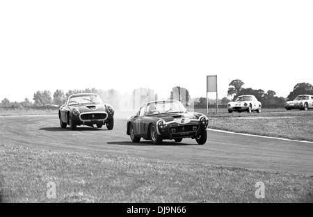 No7 Stirling Moss in einem Ferrari 250 GT SWB, gewann das Rennen Str. Marys Ecke, Tourist Trophy, Goodwood, England - Stockfoto