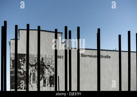 Gedenkstätte Berliner Mauer, Bernauer Straße, Berlin, Deutschland - Stockfoto